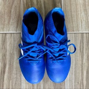 ADIDAS - blue indoor soccer shoes